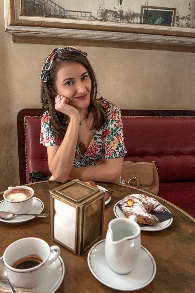 shooting moda nella caffetteria palazzo del reale di Milano